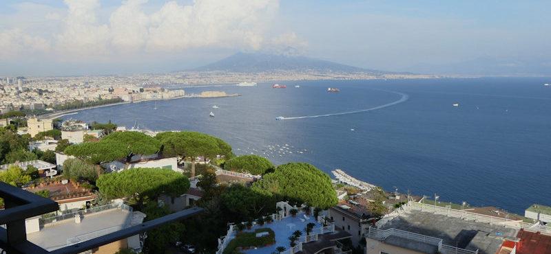 Unfall, Vulkan und andere Kleinigkeiten – wir in Neapel